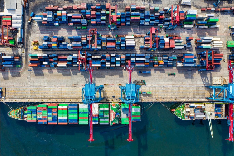 shipping port image